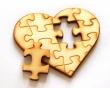 Coeur de puzzle en bois